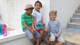 Några barn från Australien,(Skye & William ) på besök i Europa , England o. Frankrike lärde sig franska sommaren 2017 på vår skola i Saint-Raphaël